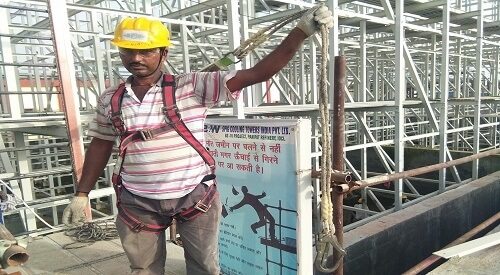 Safety harness weight capacity